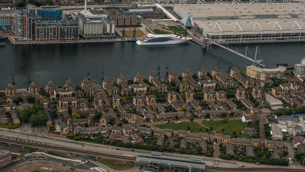 Royal Docks - - with 16-55mm f2.8 @47mm, f4.5 iso320, 1/1000s