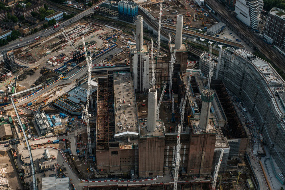 Battersea Power station being redeveloped into luxury living complex - with 16-55mm f2.8 @28mm, f6.4, iso500, 1/1000s