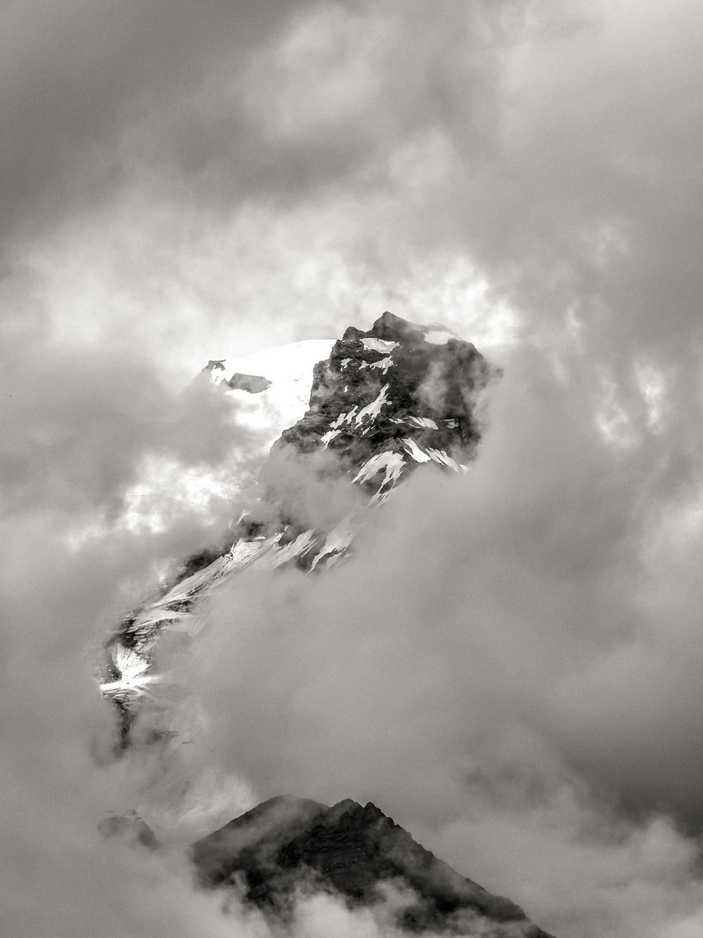through the clouds (XF 50-140mm f2.8 at 140mm 1/250 f8 ISO200)