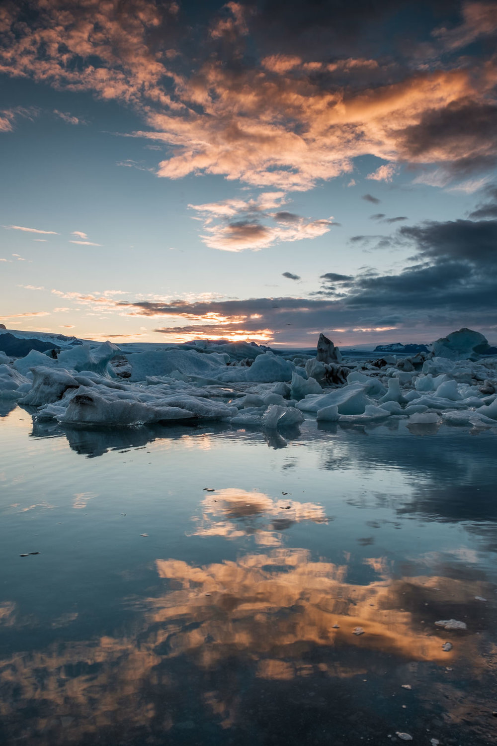 Sunset reflection... Jökulsárlón (XF 16-55mm f2.8 at 16mm 1/60s f16 ISO200)