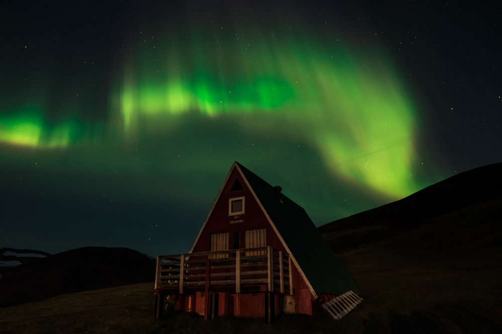 Late summer (20th august) northern lights, geothermal Kerlingarfjöll. (XF 14mm f2.8 5s f2.8 ISO2000)