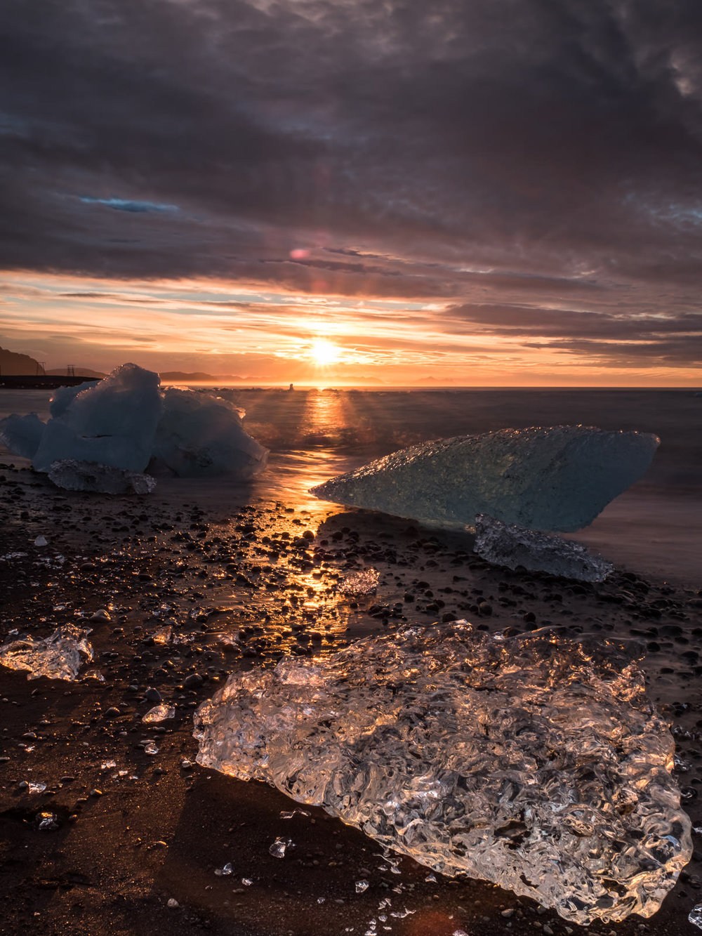 morning at the diamond beach,   Jökulsárlón (XF 16-55mm f2.8 at 20mm 6.5s f16 ISO200)