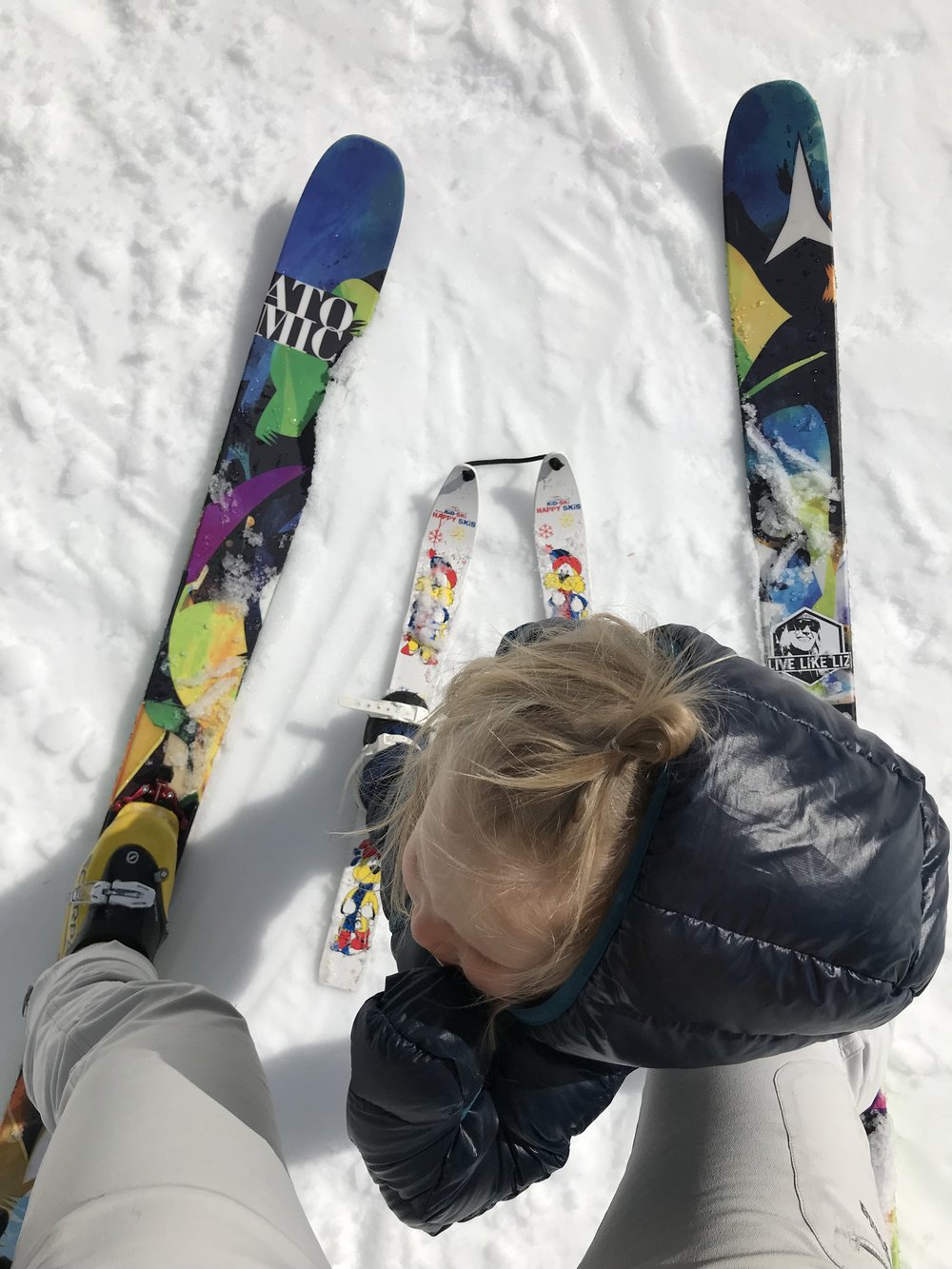 A good way to get your toddler skiing.