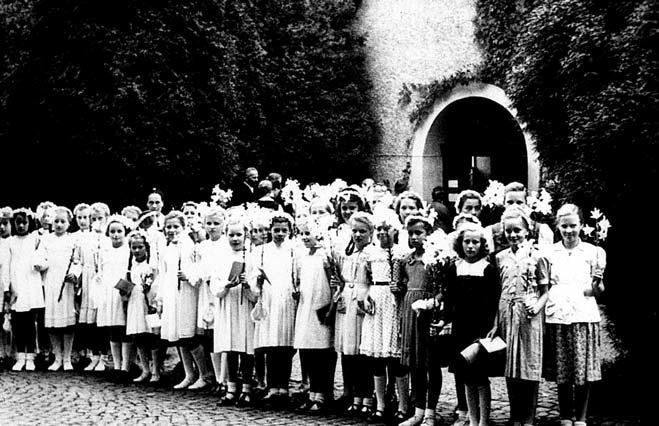 Fundadas desde el el  1930  por el Padre José Kentenich, en Alemania.