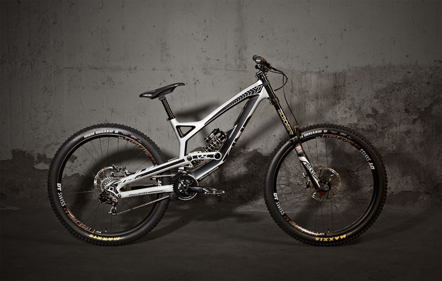YT release TUES carbon DH bike — Spoke Magazine