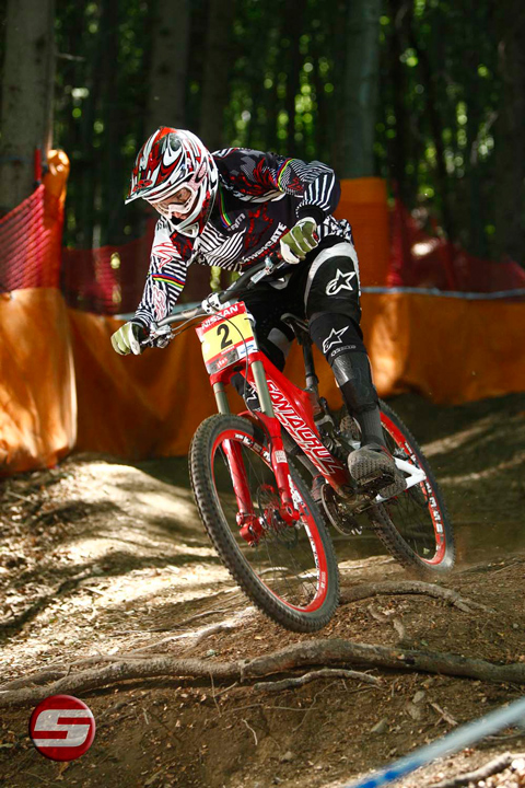 Greg Minnaar cruises into 1st overall