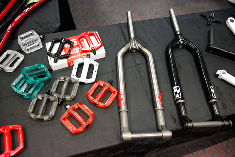 atomlab-forks-and-pedals