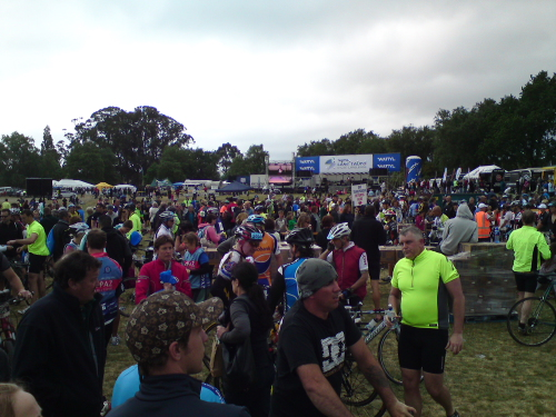 After showering, beering, burger kinging (?) and re-coffeeing we headed back to watch the flow of riders coming in from their around Taupo experiance. By this late in the day most were looking pretty haggard to say the least!