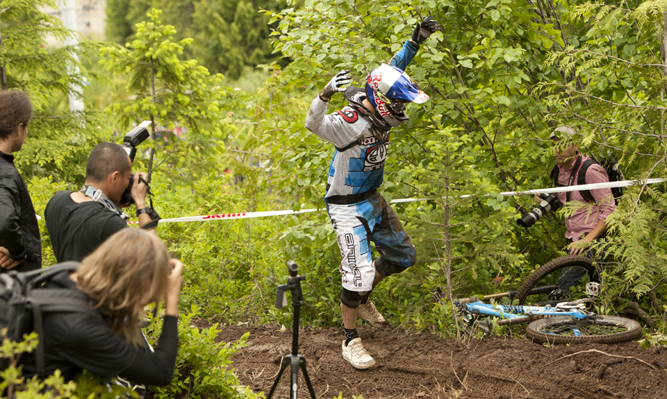 He may of won the World Championship and numerous other World Cup races, but Gee Atherton just couldn't handle the pressure of Hecklers Rock and took a digger at the bottom.