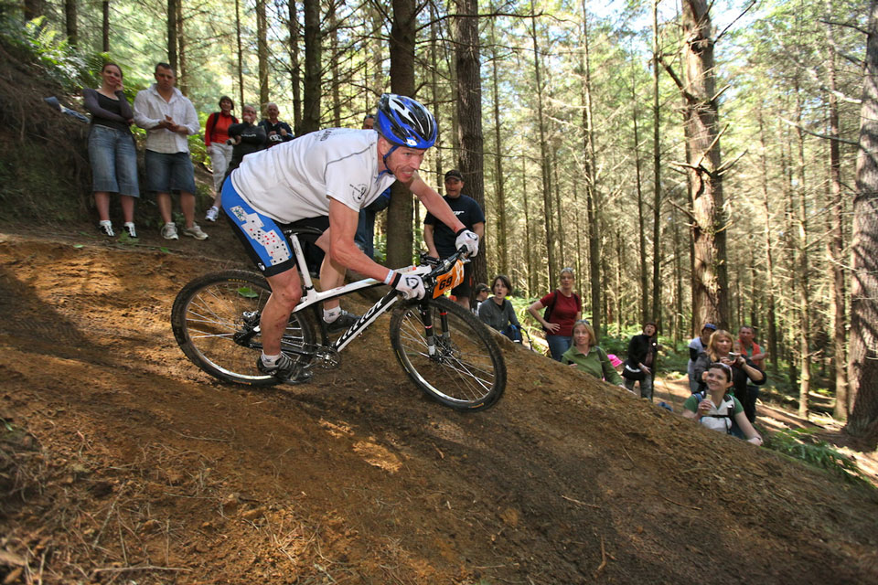 5)Garth Weinberg through Rock Drop, 2010 Singlespeed World Championships in Rotorua. Photo: Alan Ofsoski.