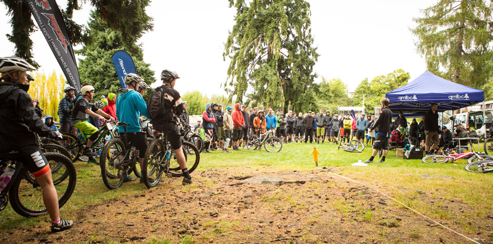 Vertigo-Bikes-Super-D-Enduro-race-briefing-(credit---riverleaphotography.com)