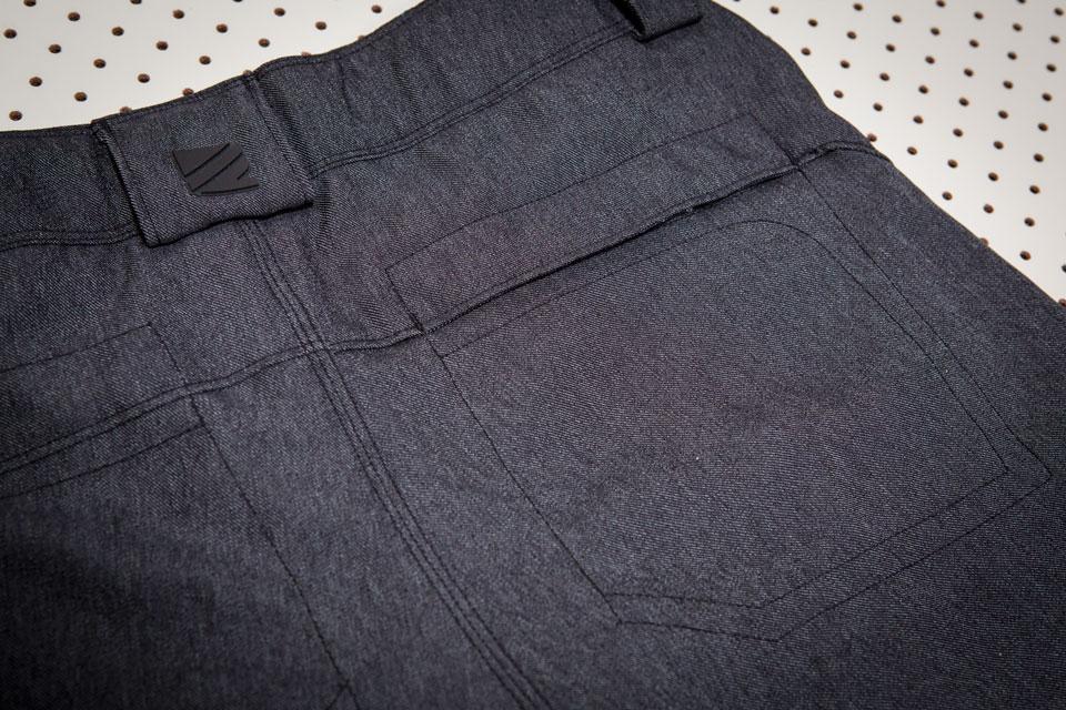 dakine-shorts-back