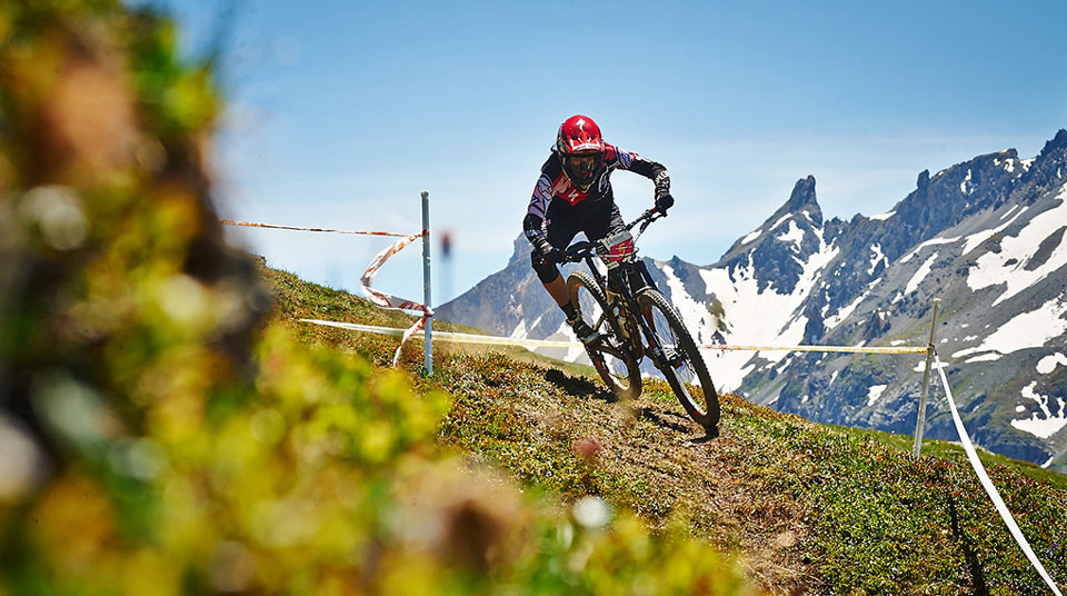dirt-tv-enduro-world-series-round-3-valloire-race-day-one-video
