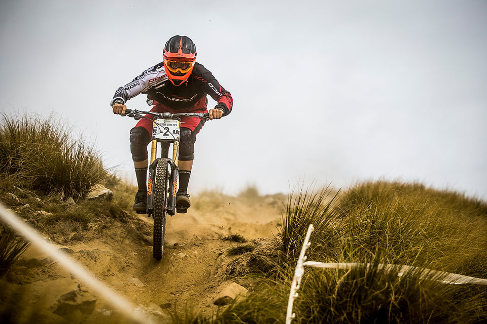 Like many Sam Blenkinsop succumbed to flats in his race run and unfortunately on his first outing for Norco failed to finish his race run. Photo Sven Martin