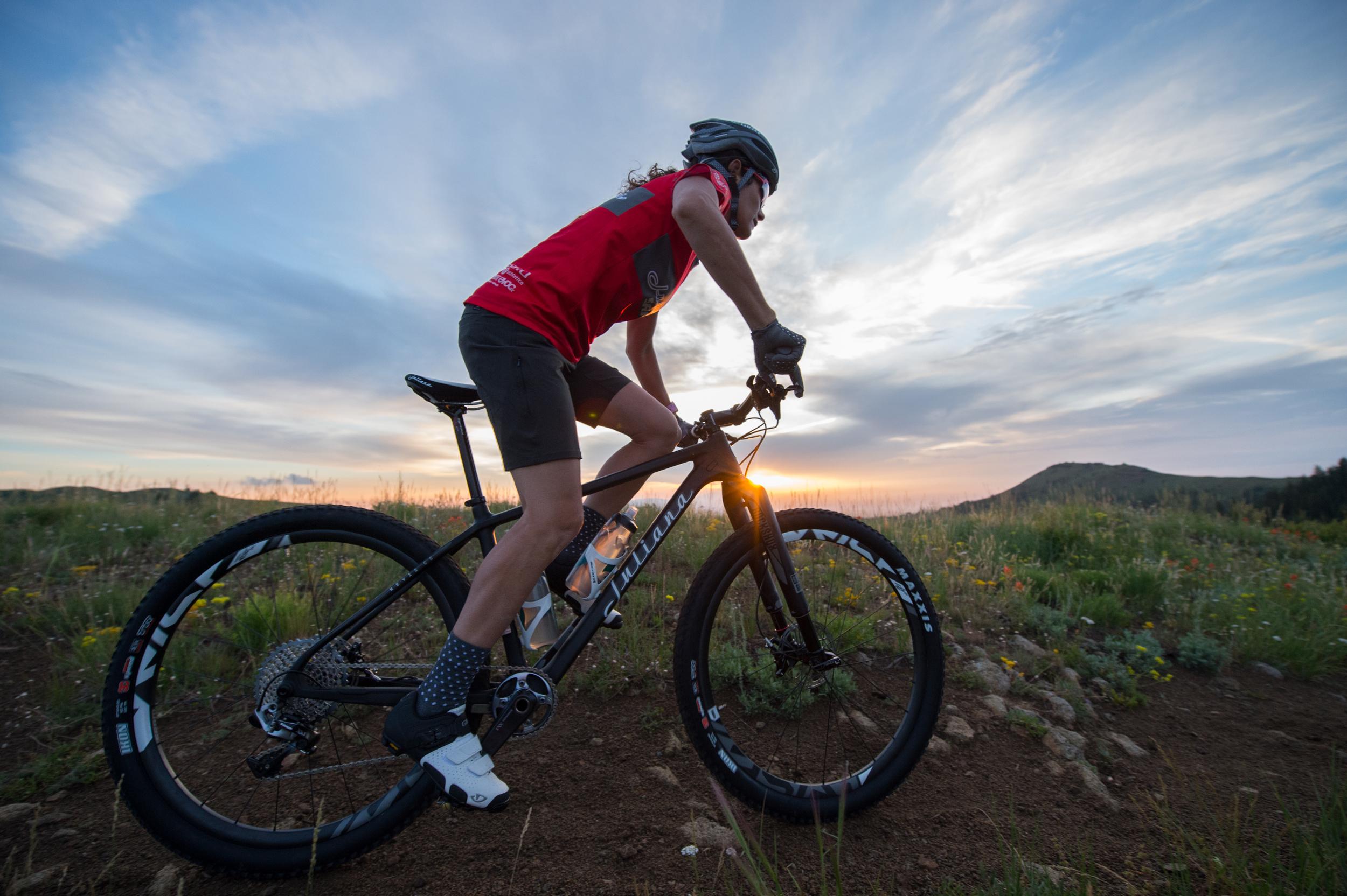 Juliana-SRAM Team Rider Kelli Emmett_Full SRAM:RockShox:Truvativ Build