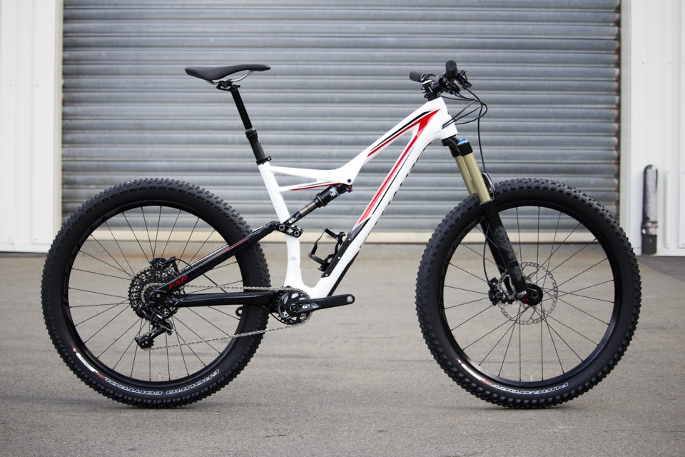 It's always nice to see a Specialized bike in white and red livery. A nod to the Shaun Palmer era.