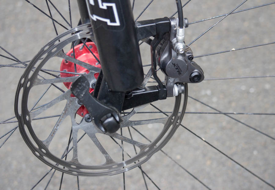 180mm Avid rotors clamped by XTR calipers provide a decent amount of pucker power.