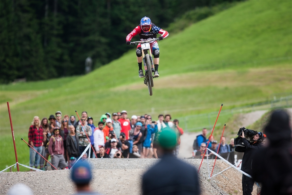 Flying Chainless in Leogang - Photo by Michal Cerveny.