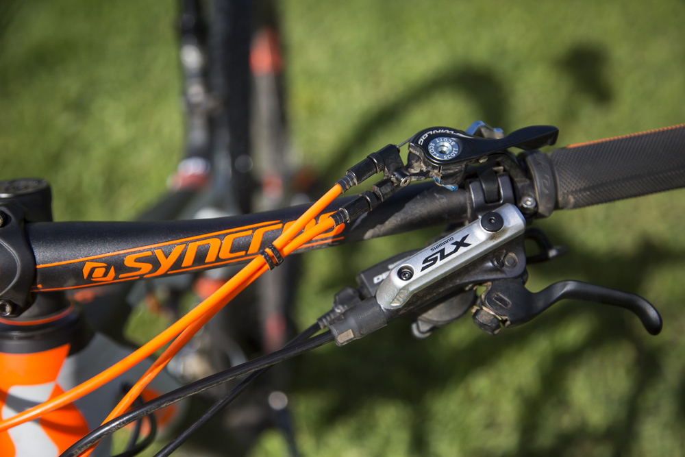 The Scott twinlock remote suspension control