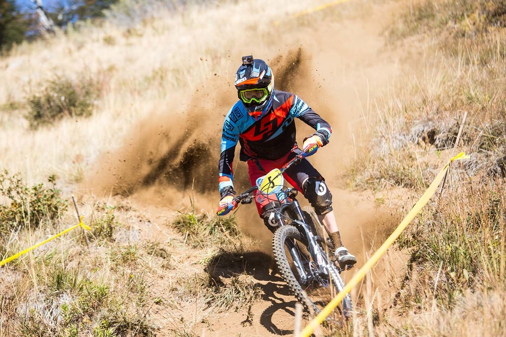 Nico kicking up some dust in practice. Photo: Lapierre- Jeremie Reuiller