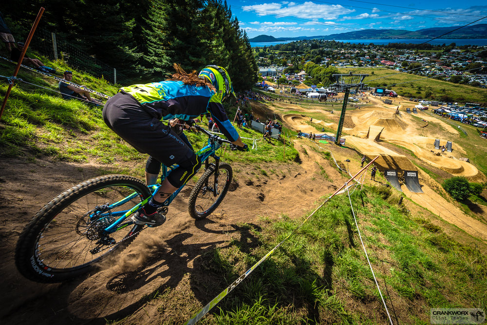 Anneke Beerten pins it down the final stretch in the Crankworx Rotorua Downhill presented by iXS.