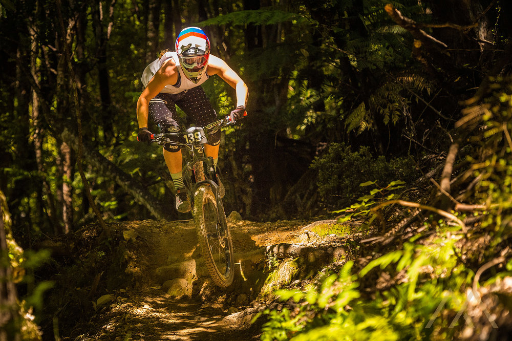 Ronja Hill-Wright looking pinned into 3rd place in the Pro Women. Image: Mark Bridgwater