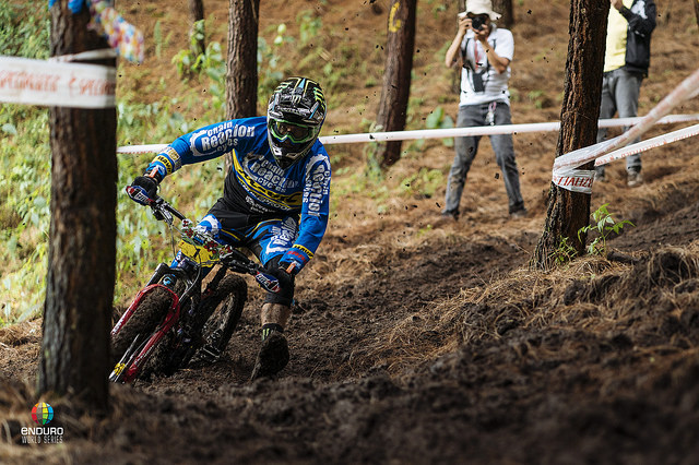 Another win for the flat pedal master Sam Hill