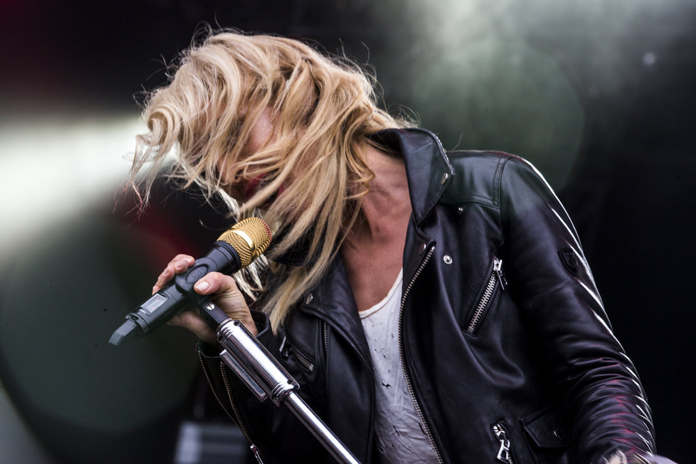 Metric at the Queens Boulevard Stage - Day 2