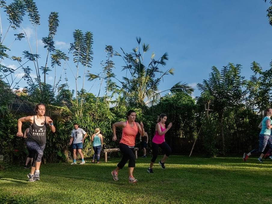 bali fitness retreat - Set against the splendour of Bali's coastline, enhance your fitness at this beachside wellness retreat, with unlimited group fitness classes plus cold pressed juices and fresh organic food to nourish and detox your body.