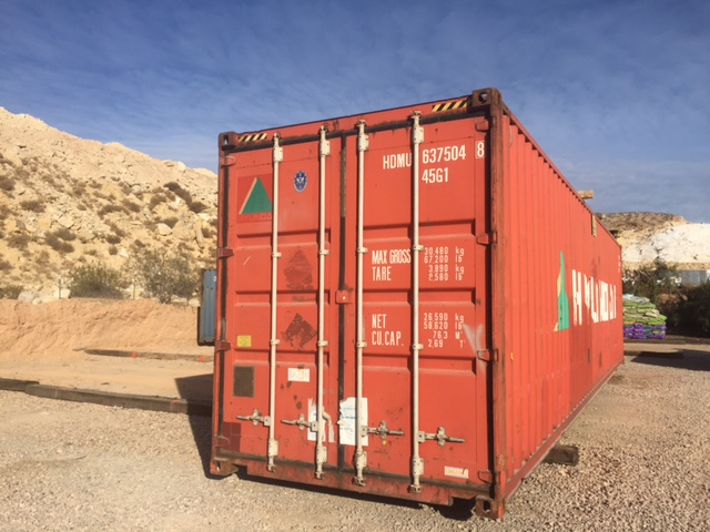40' container front.JPG
