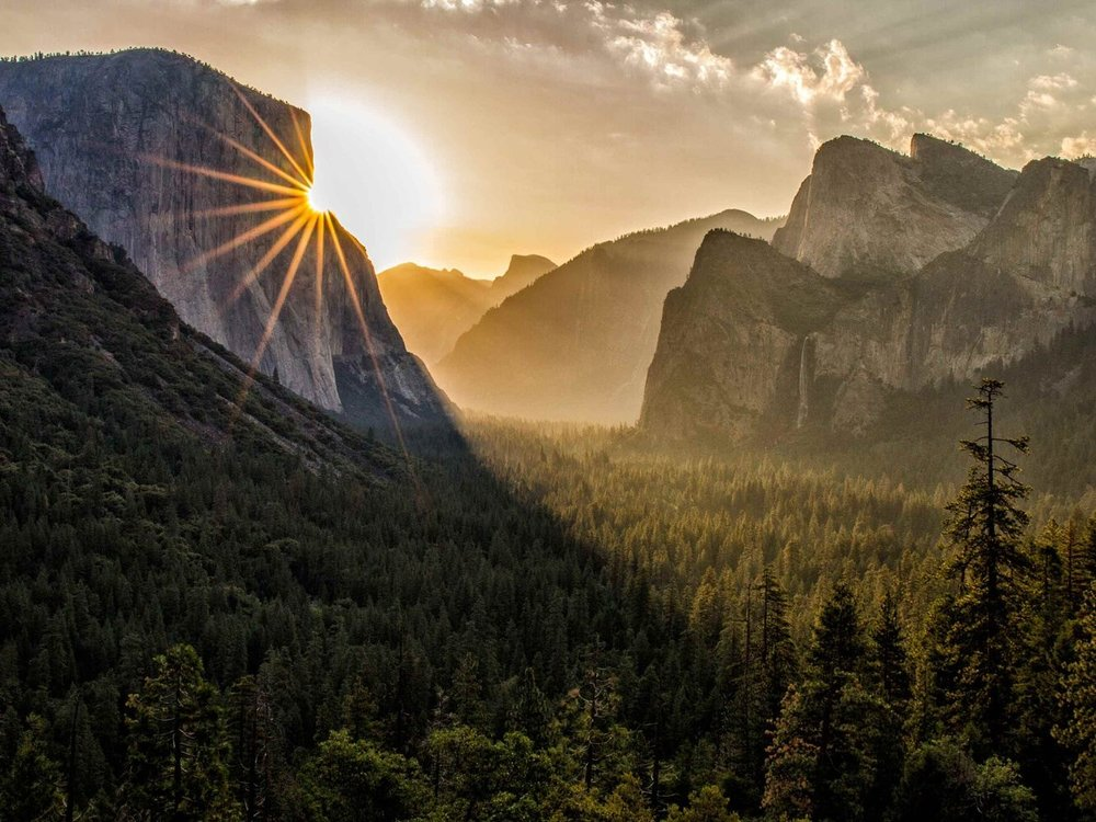 YOSEMITEMay 17th - 20th, 2018 - Unwind, relax, and awaken your yoga practice in the beautiful Yosemite Valley. Daily Yoga, unlimited hiking and full access to the Spa...This will be an amazing opportunity to connect with nature, relax completely, and have some much needed 'you' time. Join us in Yosemite!Experience TwinSol Retreats