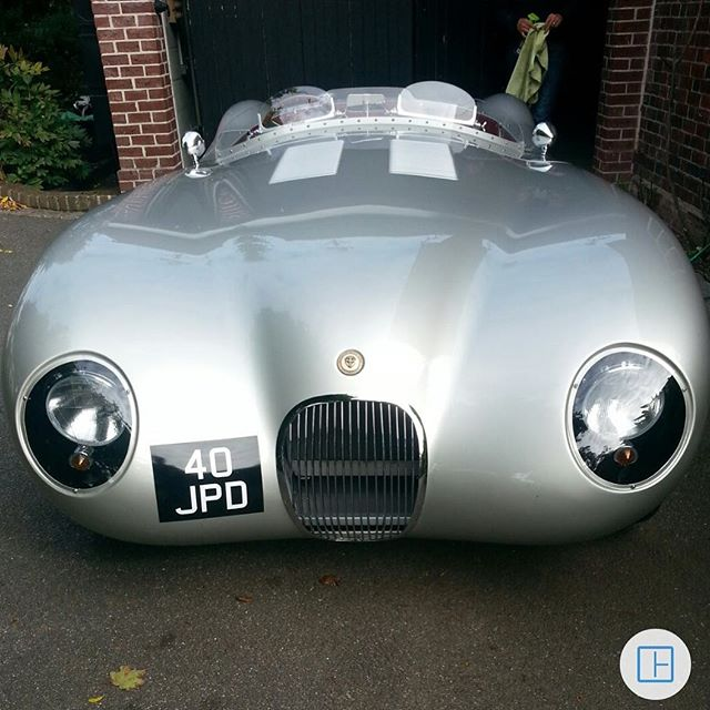Proteus C-Type number five parked up after a clean in the UK! At Proteus we sell cars worldwide, if your a US customer head over to @bespokebritishsportscars to order your perfect car. 🇬🇧 Website link in our bio!  #ClassicMeetsClever  Hand built in Britian! #proteus #proteusjaguar #proteusctype #ctypeproteus #proteuscars #proteussportscars #ctype #ctypejag #ctypejaguar #jaguarctype #jaguarcars #l4l #likeforlike #like4like #sportscars #racecar #drivetastefully #horsepower #petrolhead #bespokebritishsportscars #historicmotoring #historicmotorsport #classicdriver #hofmanns #hofmannshenley #bespokebritishsportscars