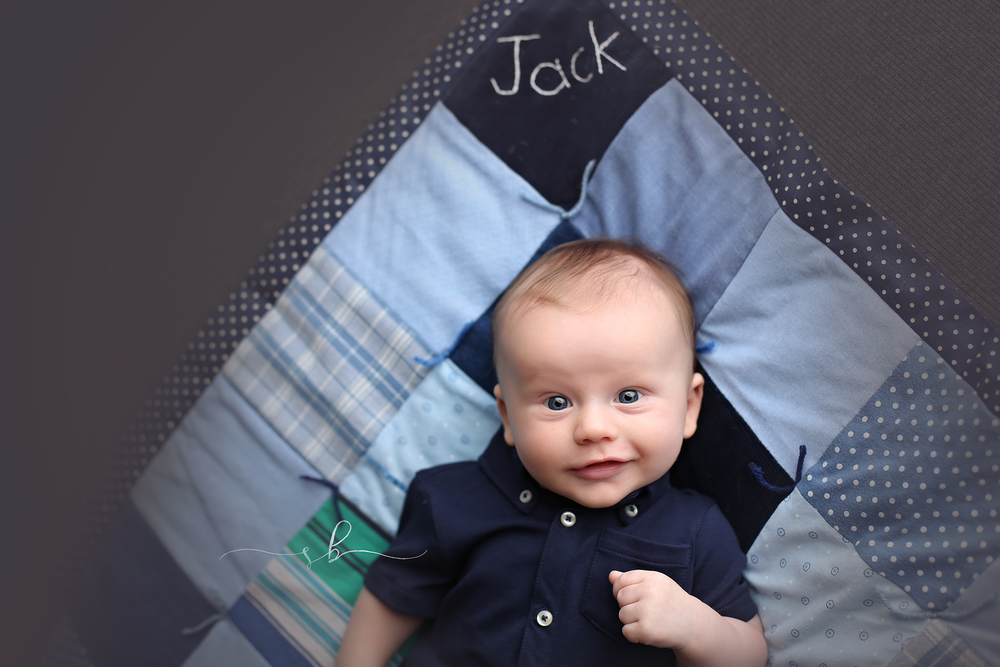 3 month old, Jack! 3 month photography sessions are all about those facial expressions =)