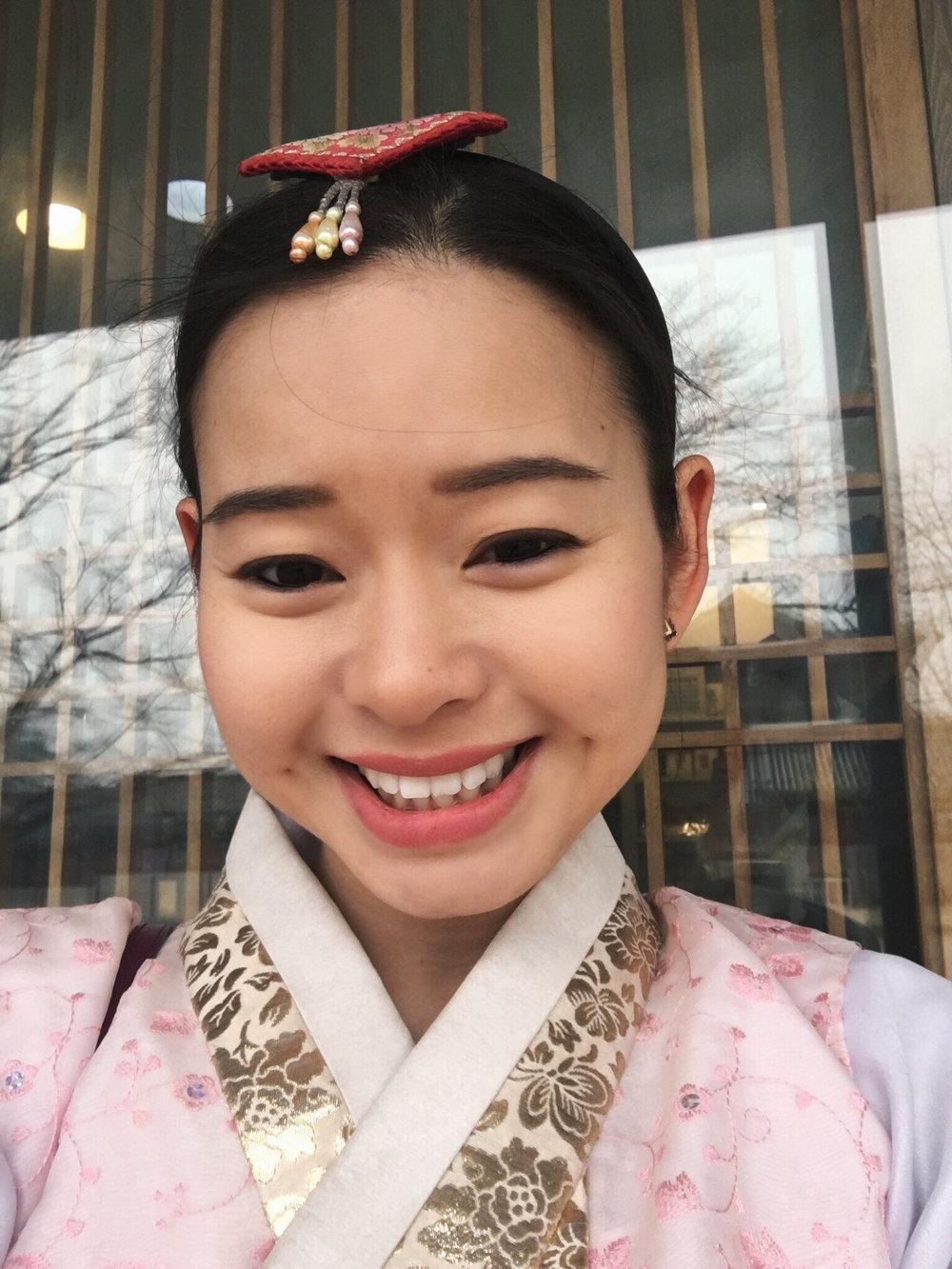Divine Tio Gyeongbokgung Hanbok