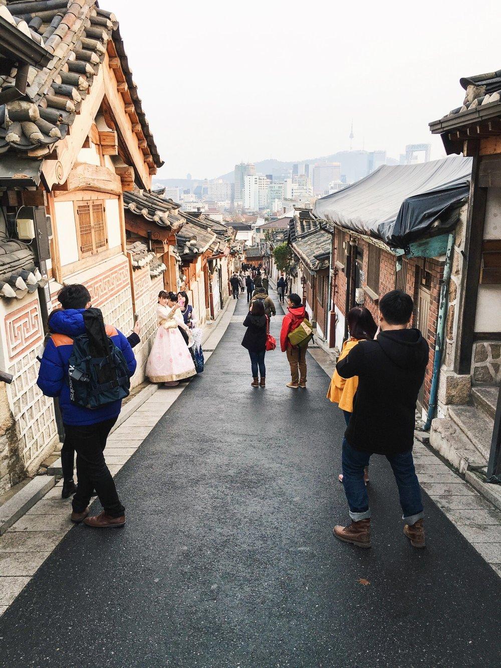 Divine Tio Bukchon Hanok Village Hanbok