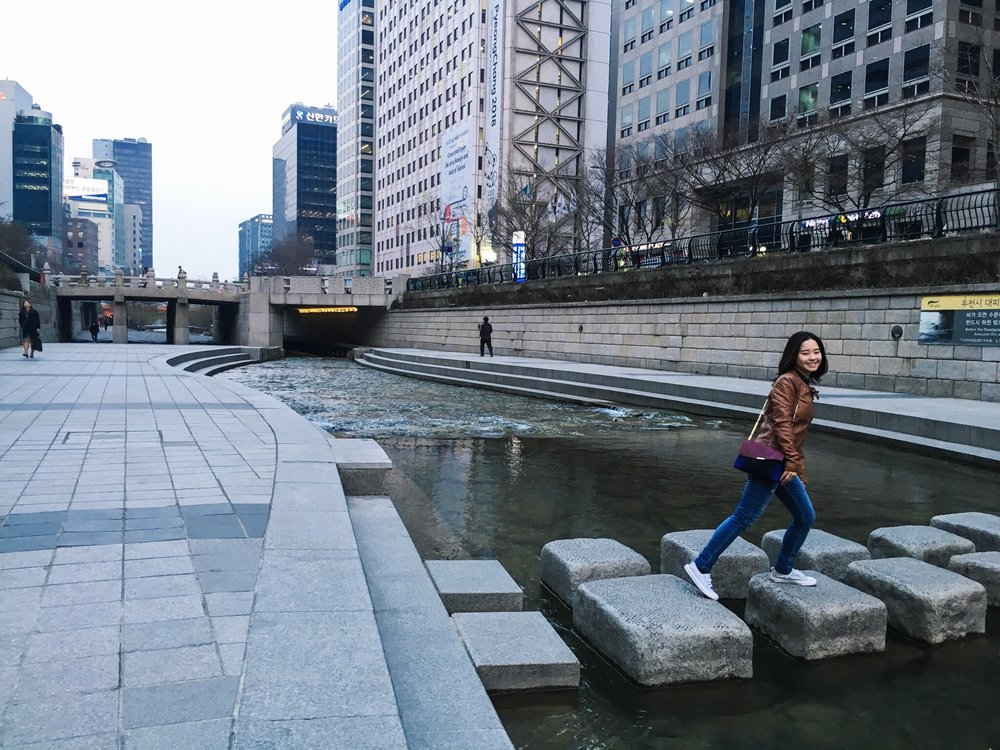 Divine Tio Cheonggyecheon Stream Seoul South Korea