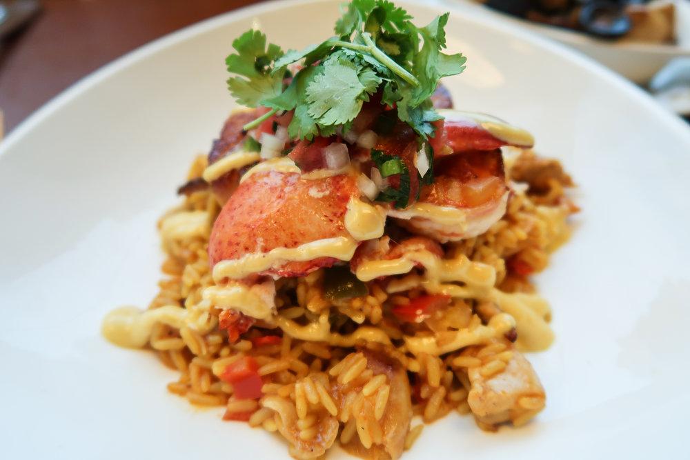Divine Tio MW Restaurant Seafood Paella