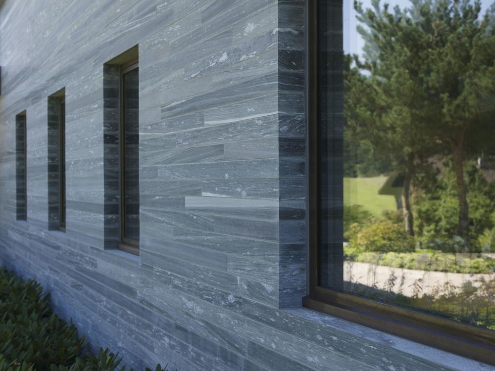 Gemauerte Fassade in Naturstein