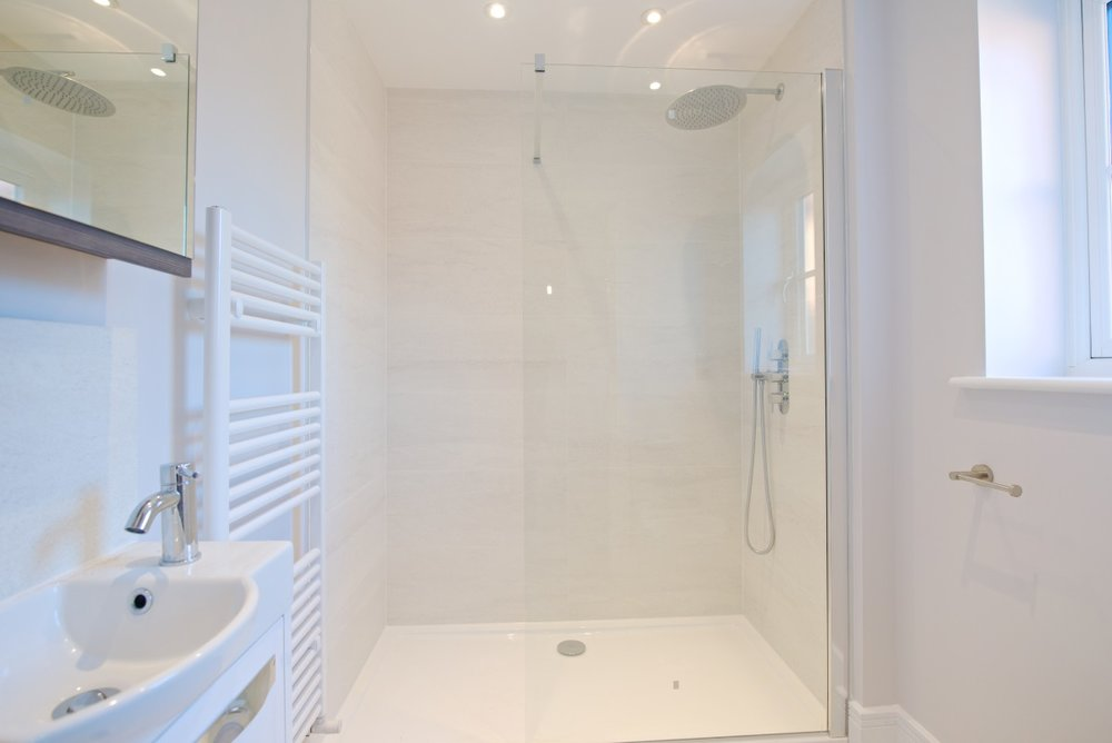 Towcester plot 2 master ensuite resized.jpg