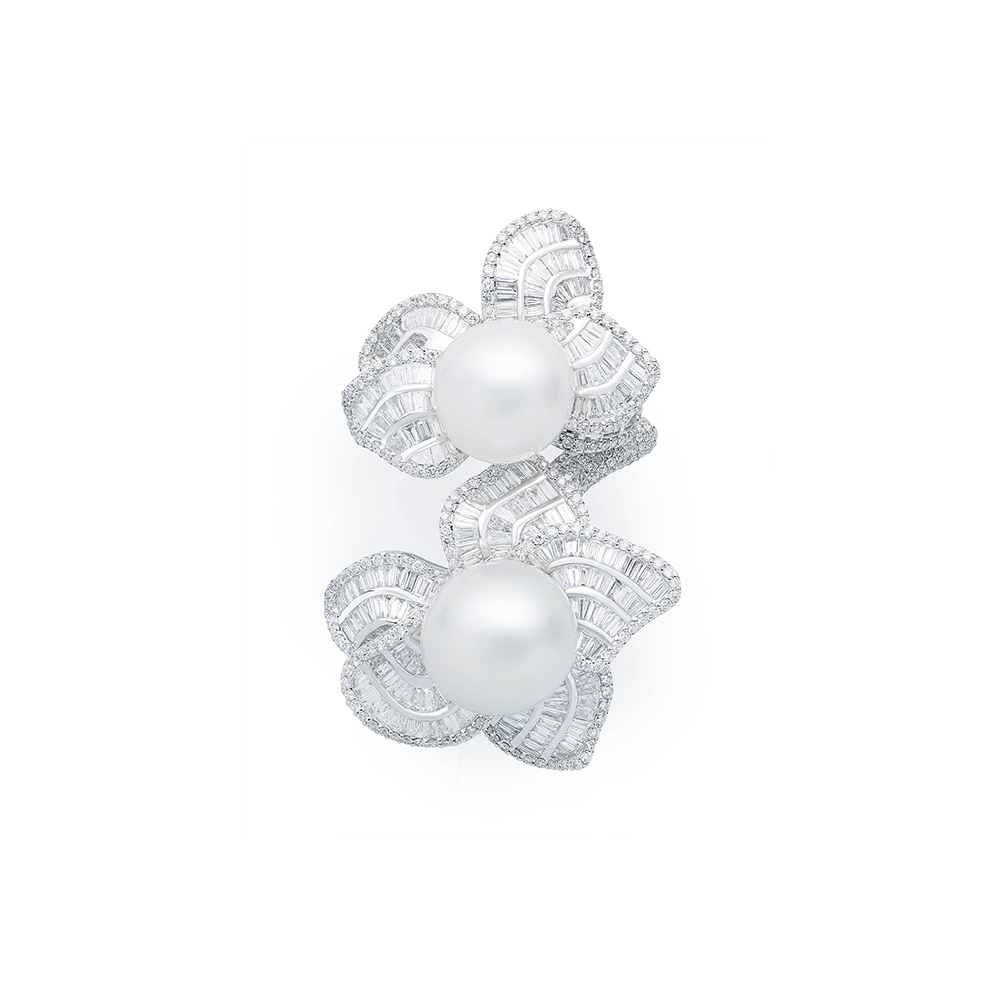 Damian By Mischelle ring, 18K white gold, set with South Sea pearls and white diamonds