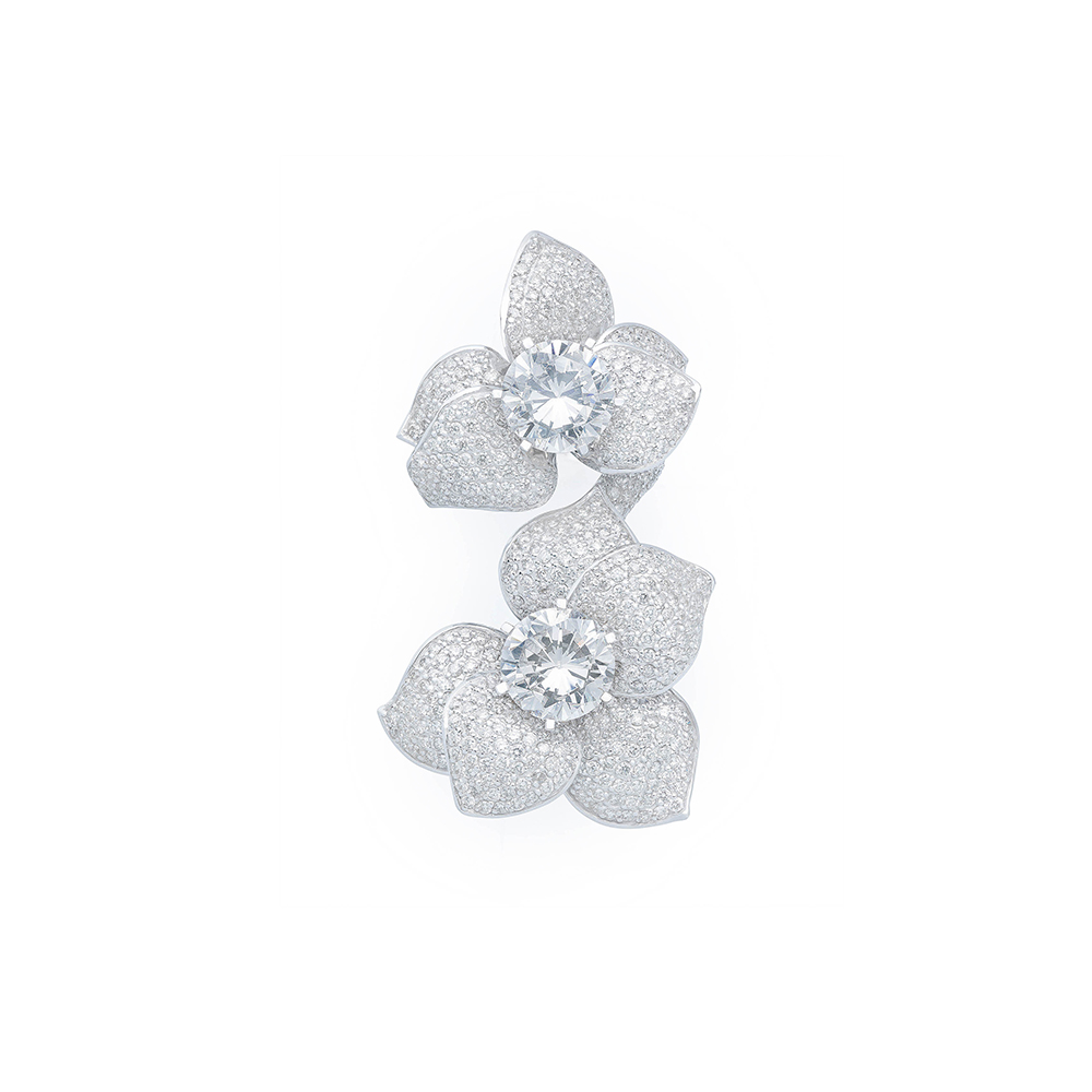 Damian By Mischelle flower ring, 18K white gold, set with white diamonds