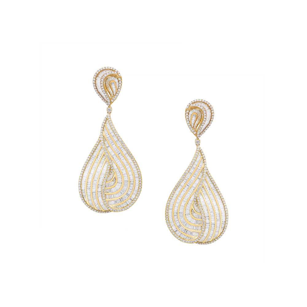 Damian By Mischelle earrings, 18K yellow gold, set with white diamonds