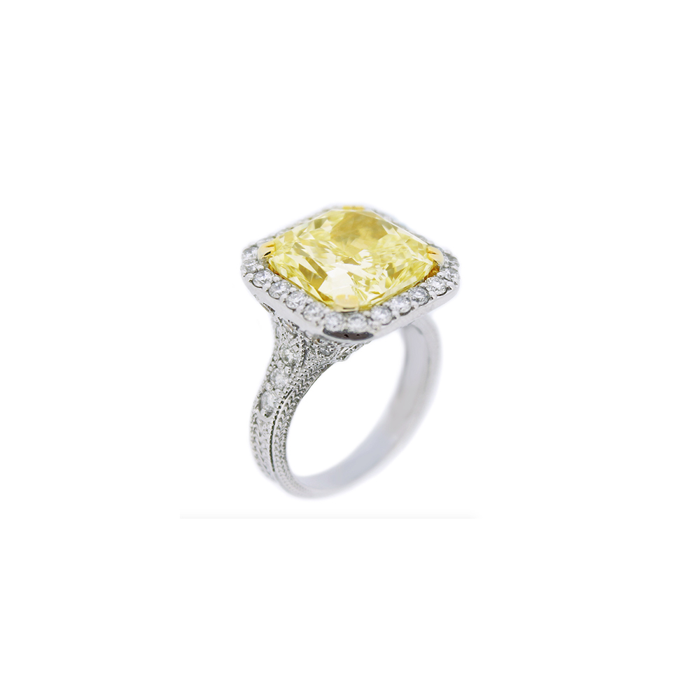 Damian By Mischelle ring, 18K white gold, set with yellow diamond and white diamonds