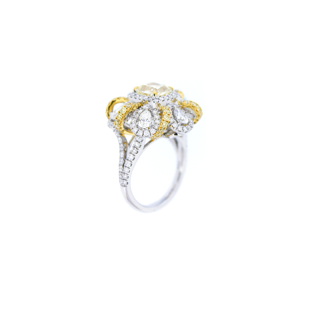 Damian By Mischelle ring, 18K white gold, set with yellow diamonds and white diamonds