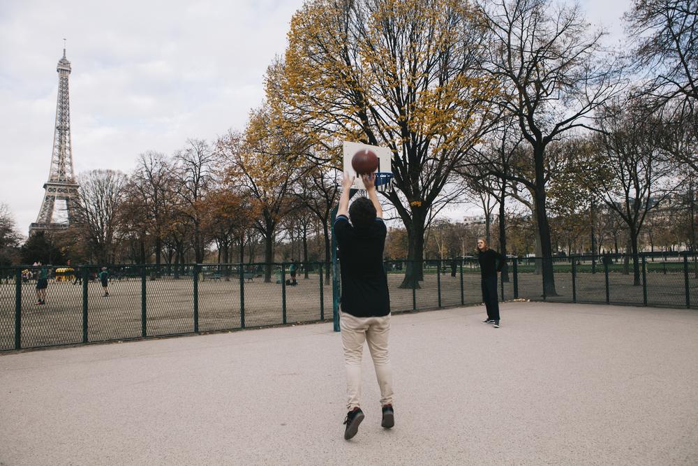 BasketballEiffelTower_8285.jpg