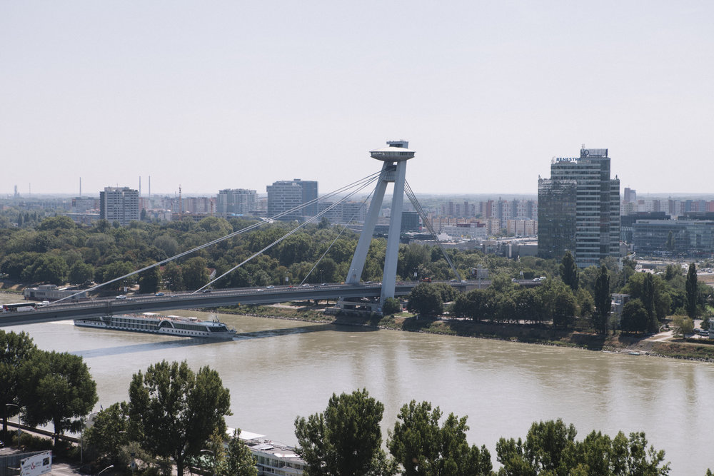 This UFO structure sits atop an 85m tower and houses a restaurant, thus the name 'UFO Bridge'.