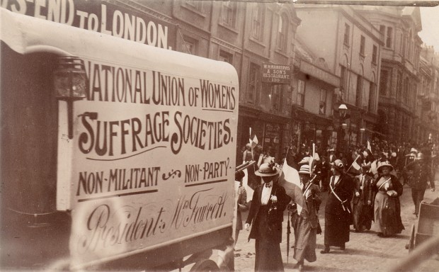 Suffrage Pilgrimage van on Market Jew Street, Penzance 100 years ago today (credit: Penlee House Gallery and Museum)