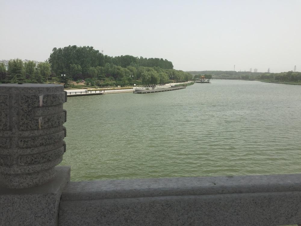 Big ol' river.