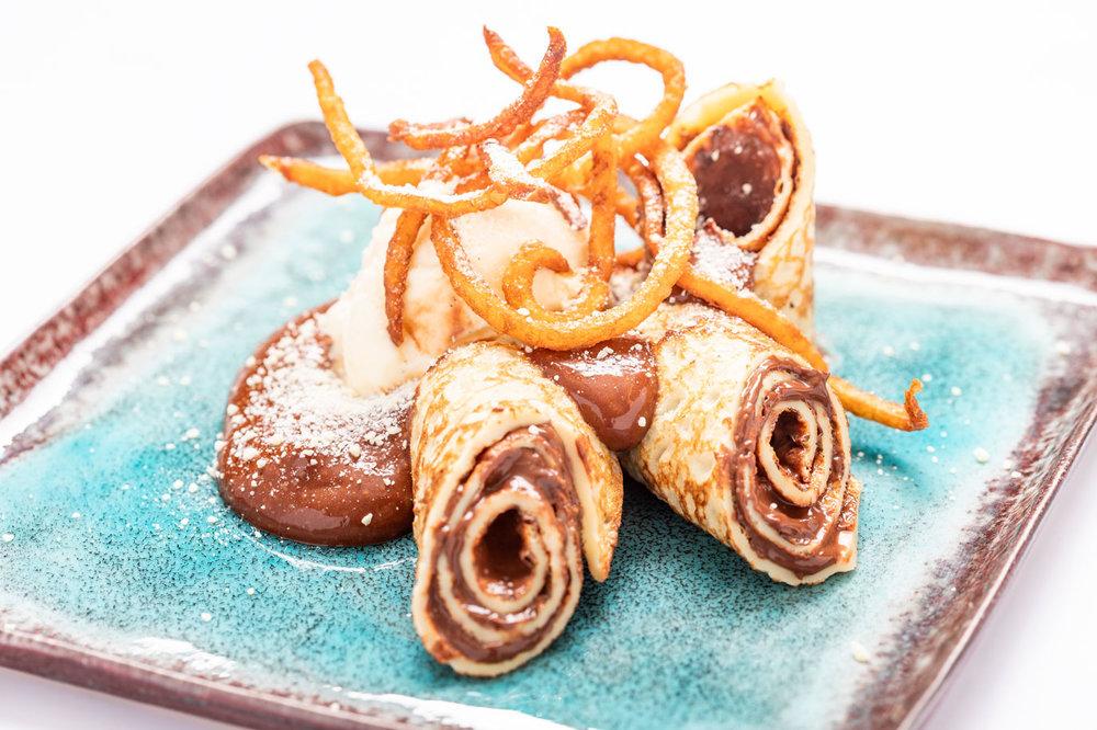 Pannenkoek met vanille-ijs en chocoladesaus - PATISSERIE ACADEMIE