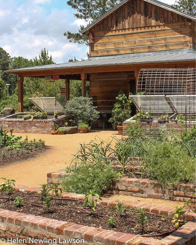 Sarah P. Duke Garden in Durham, NC uses bricks in a unique way for their cold frames and garden beds. Don't these old bricks add a fantastic charm to the garden? ✨www.VintageBricks.com✨